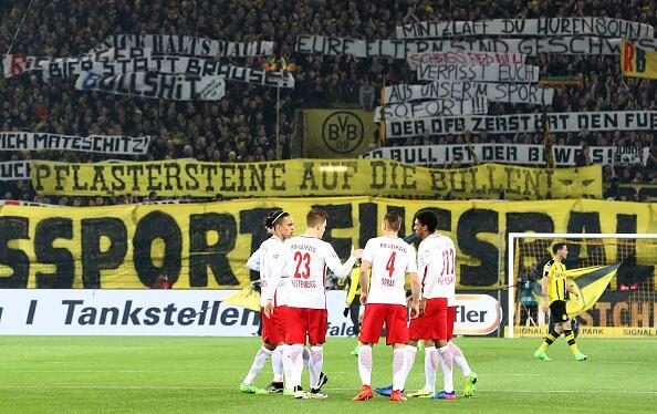 """Cuando """"La Muralla Amarilla"""" del Dortmund estalló en cólera 5.jpg"""