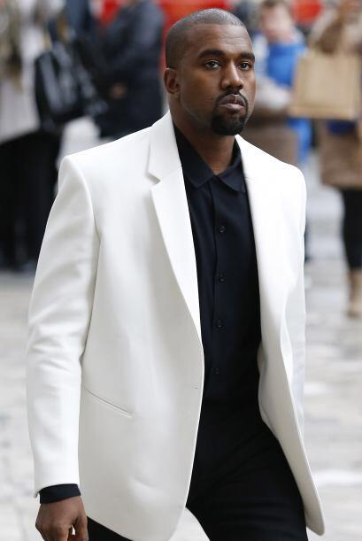 ¡Milagro! Kanye Westdemostró que es capaz de pelar los dientes y seguir...