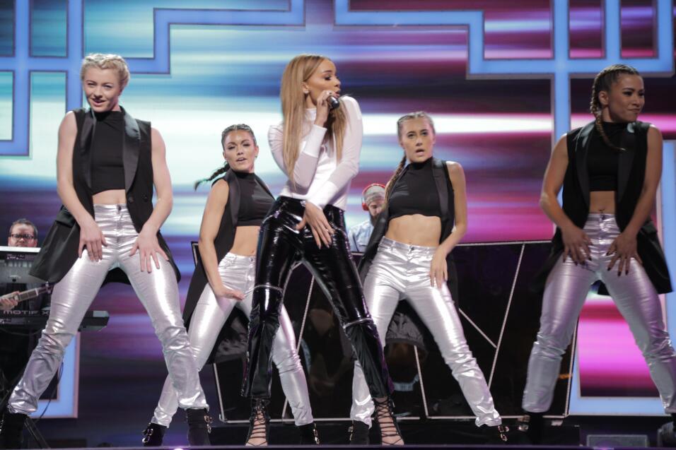 Leslie Grace interpreta su nueva canción 'Nada De Amor' en TeletónUSA.