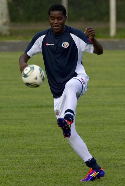 El juvenil fue comprado por el Arsenal inglés y prestado al Lorient de F...