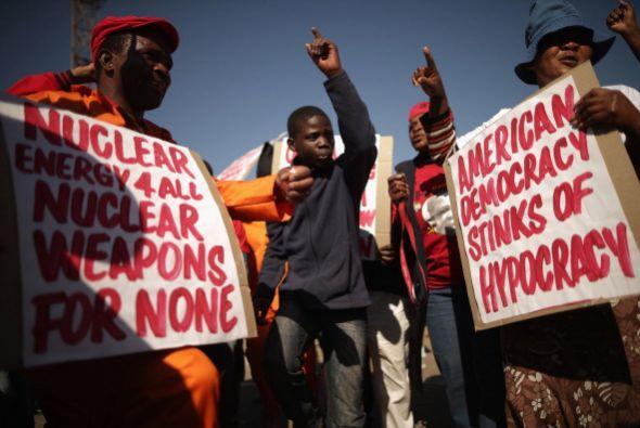 La marcha, organizada entre otros por el Partido Comunista de Sud&aacute...
