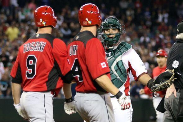 El umpire lanzó una advertencia a León: no lanzar bolas 'peligrosas', el...