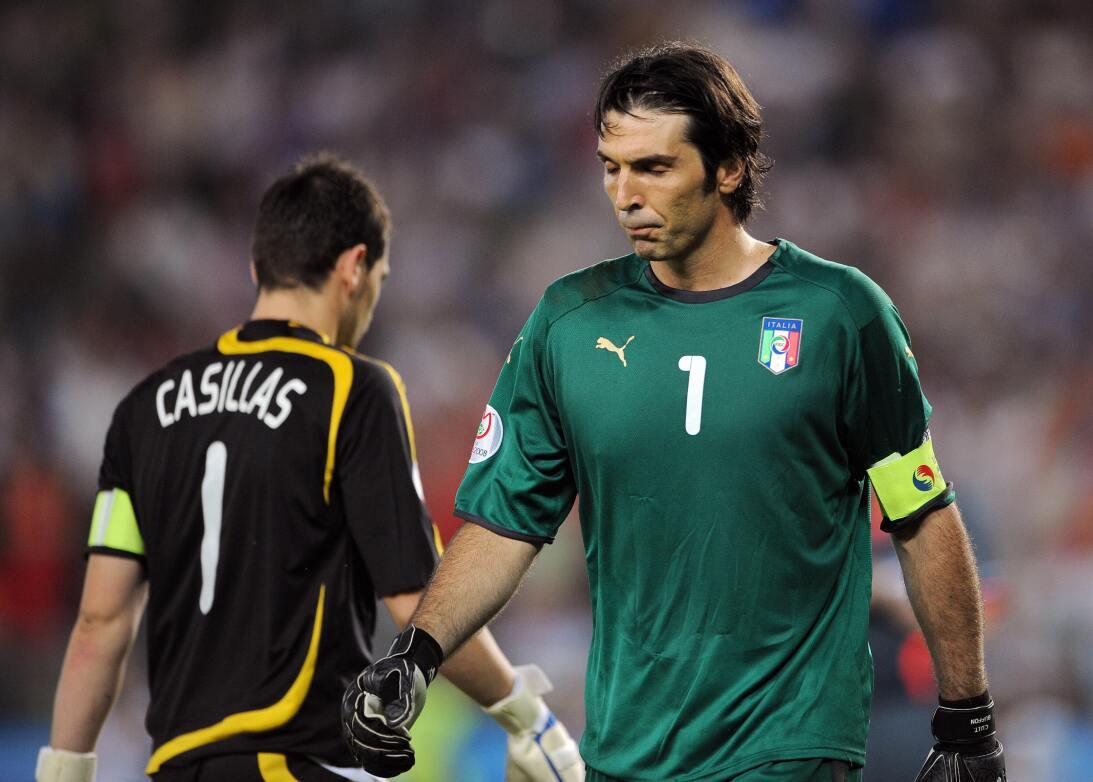 Gianluigi Buffon se quedó con el último episodio de su rivalidad con Ike...
