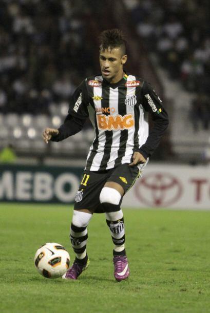 El Santos de Brasil, el único equipo brasileño que queda en la lucha, co...