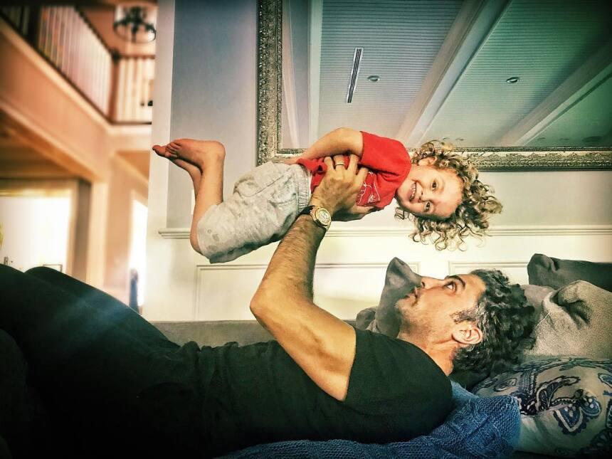 Jaime Camil celebra el cumpleaños de su hijo con hermosa foto