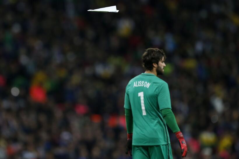 Inglaterra y Brasil empatan sin goles en Wembley gettyimages-874216886.jpg