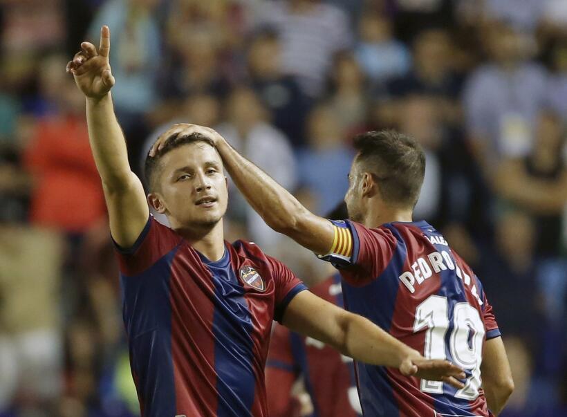 Real Sociedad y Carlos Vela fueron goleados por el Levante 6364163497239...