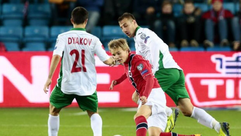 El centrocampista noruego se convirtió durante el partido contra Bulgari...