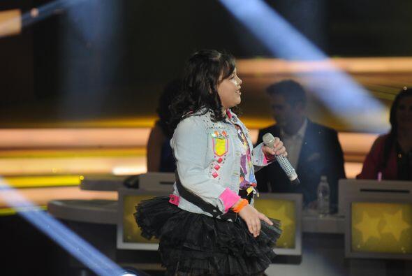 Dania fue la segunda pequeña gigante que cantó junto a Fanny Lu.