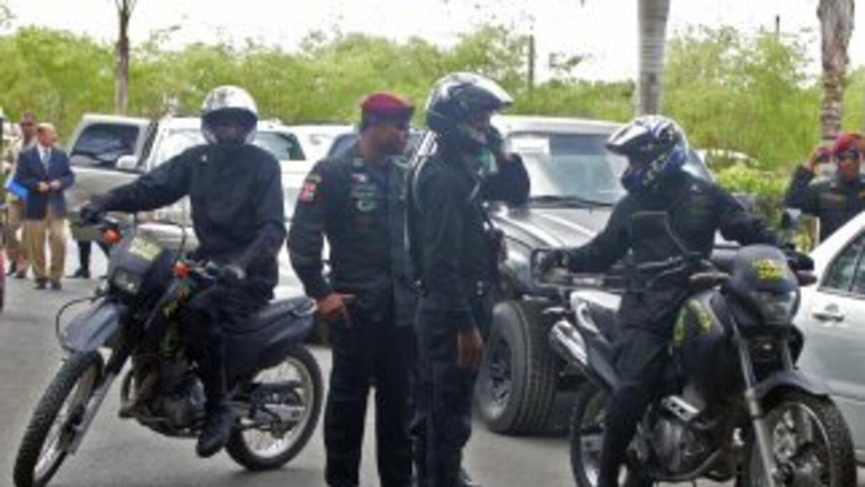 Policías dominicanos y miembros de las Fuerzas armadas son acusados de e...