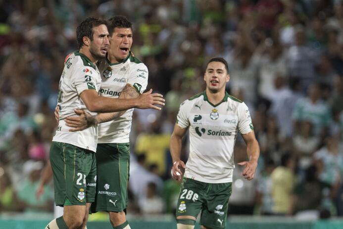 Santos se lleva una infartante victoria ante el América 20170423_7163.jpg
