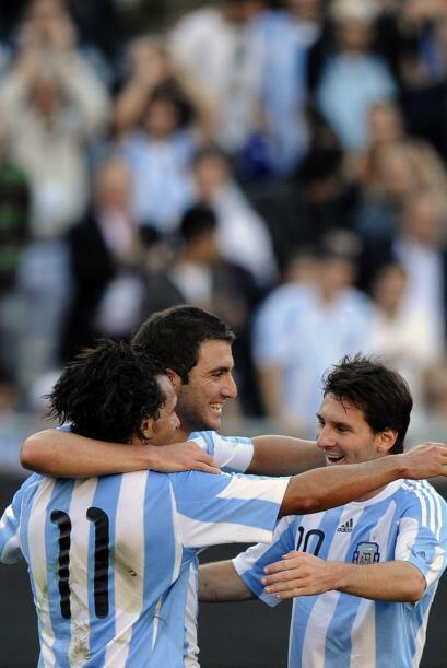 Triplete de oro con acento argentino, Carlos Tévez, Gonzalo Higuain y Le...