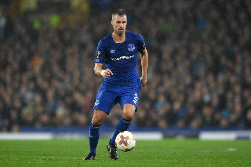 Del Everton también podría salir el mediocampista francés Morgan Schneid...