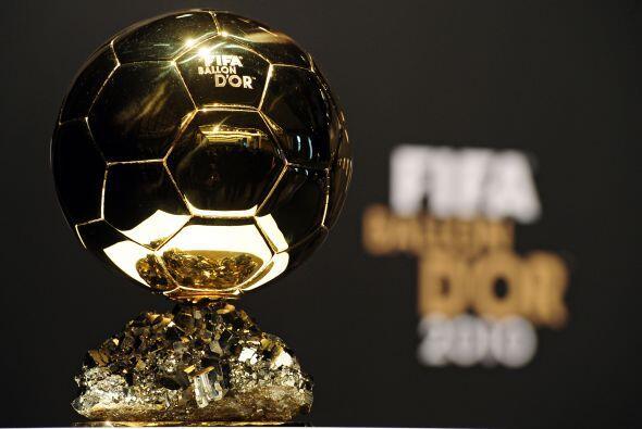 Este es el premio que estaba en disputa, con Xavi y Andrés Iniesta como...