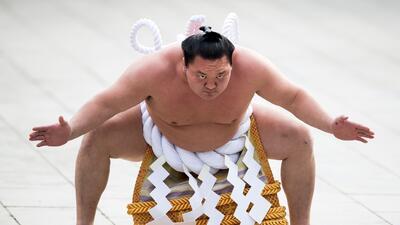 El sumo y la cultura tradicional detrás de una lucha de peso en Japón