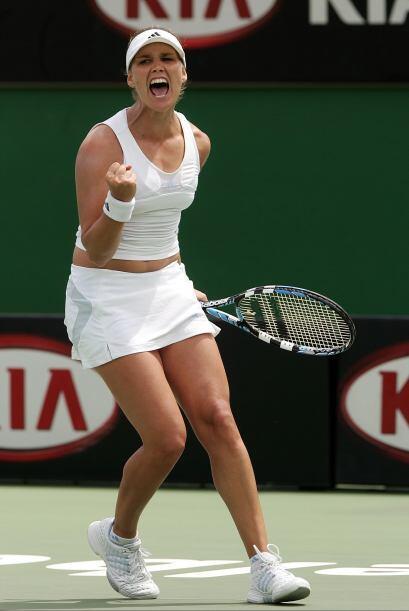 Inició en la WTA en el 2000.