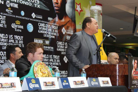 Chepo Reynoso, el manager de Canelo, dijo que estaban preparándose para...