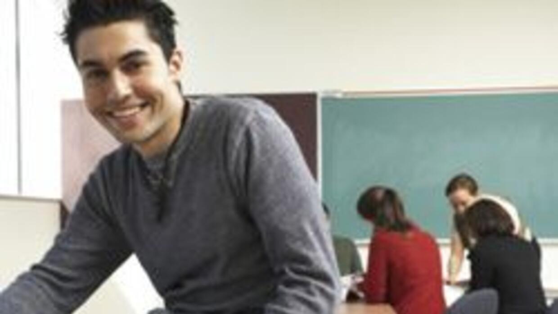 Importancia de Colegios Comunitarios para estudiantes latinos 7ed0c4bb47...