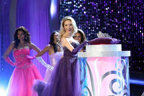 La tercera gala de Nuestra Belleza Latina abrió con el ya famoso baile d...
