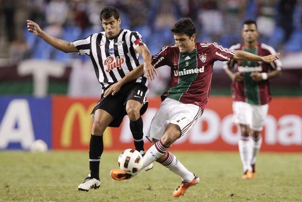 Fluminense pasó por sustos pero se permite mantener con vida el s...