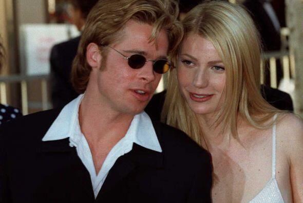 La actriz le hizo el feo a Brad Pitt en 1997. Los preparativos para la u...