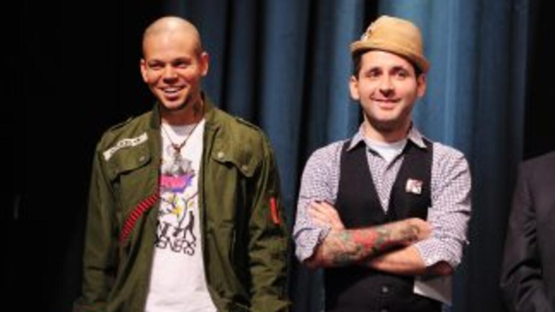 El dúo puertorriqueño está de estreno con su video 'Ojos Color Sol', en...
