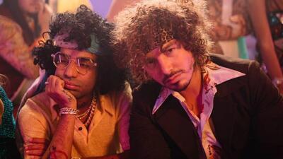 Irreconocibles: J Balvin y Arcángel estrenan video con un look años 70 y baile disco