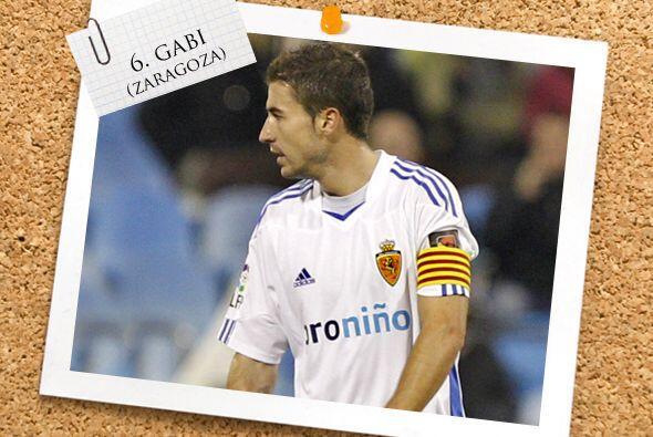 Suguiendo con jugadores de la Liga española, Gabi, capitán del Zaragoza.