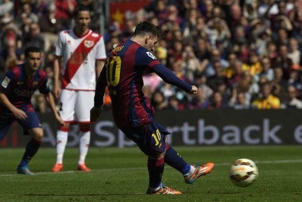 Pero no... una vez más el disparo de Lionel no era gol, pues el arquero...