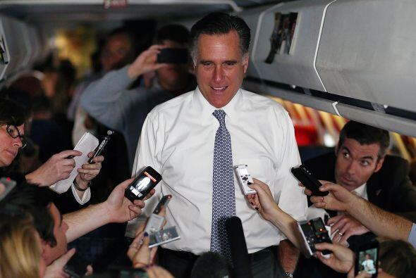 El candidato republicano a la Presidencia de Estados Unidos, Mitt Romney...