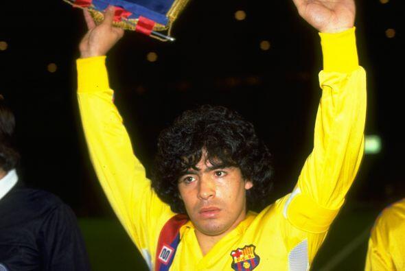 El 8 de enero de 1984 Maradona regresaba a los terrenos de juego despu&e...