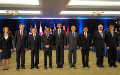 Barack Obama con algunos de los representantes de países Parte de...