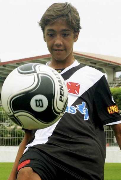 Cuando recién firmó con el Vasco en el 2009 así era su imagen.