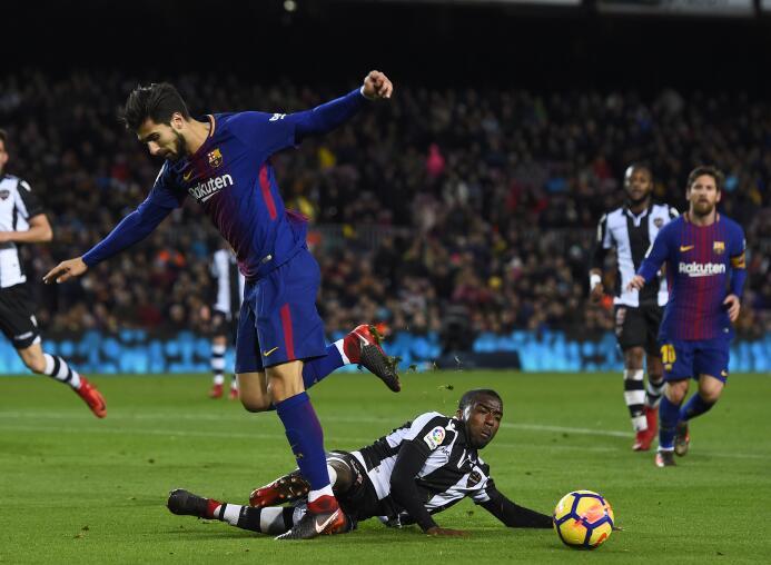 En fotos: Messi comanda la fiesta del Barcelona gettyimages-902249622.jpg