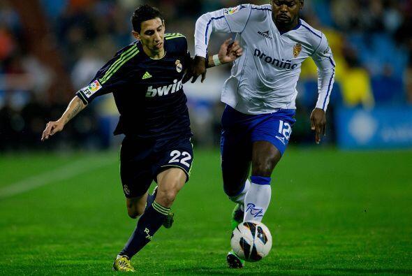 El Zaragoza busco también el gol al contragolpe.
