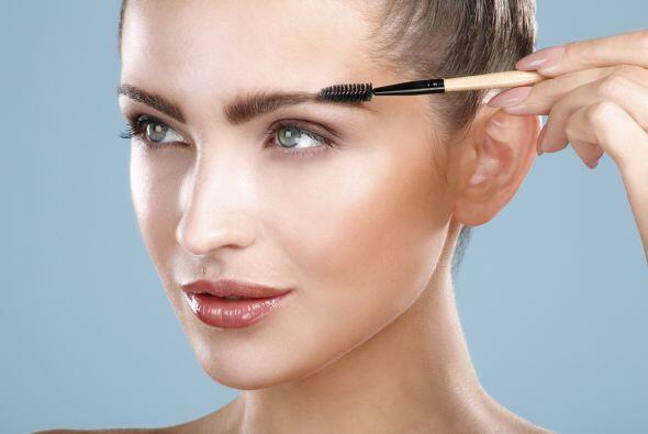 Recuerda que las cejas también serán parte importante y se seguirán usan...