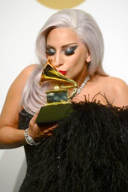 El disco 'Cheek to Cheek' de Gaga y Bennett se llevó un GRAMMY como Mejo...