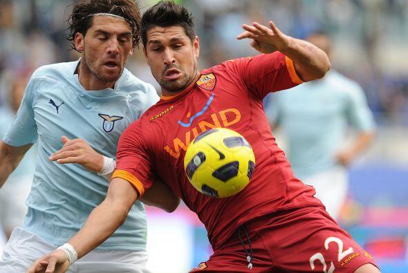 Por su parte, el líder Lazio recibió a la Roma en el 'derby' capitalino...