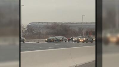 Varias personas devuelven miles de dólares que volaron por una autopista de Nueva Jersey