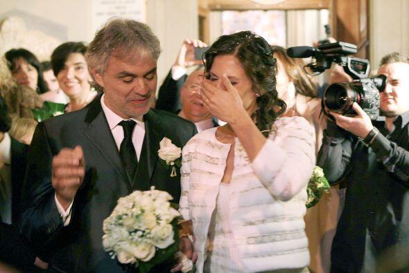 Este es el segundo matrimonio de Andrea, se divorció en 2002 de Enrica....