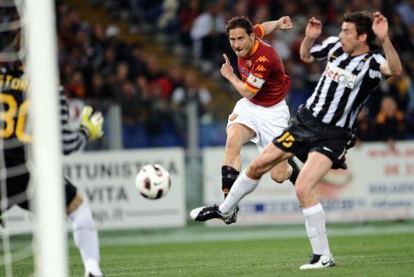 Francesco Totti ha mantenido a flote a los romanos, pero esta vez no vio...
