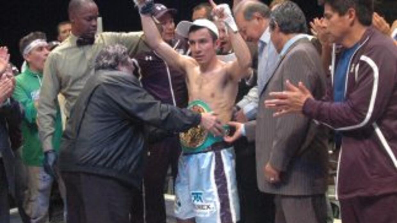 'Confesor' Hernández prometio noquear al japonésKakutani.