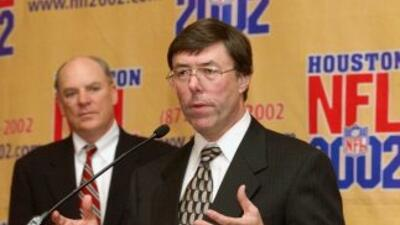 Charley Casserly (AP-NFL).