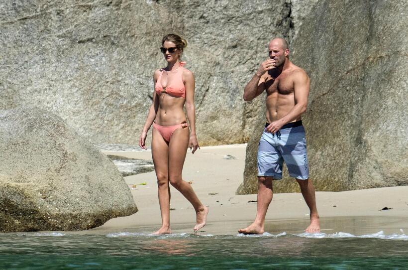 Jason Statham y Rosie Huntington son una pareja escultural