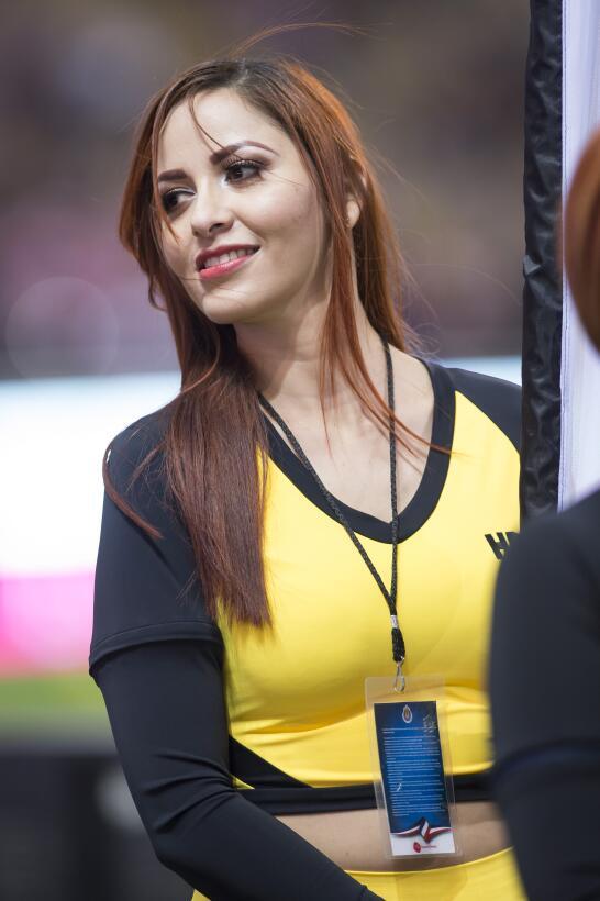 La sensualidad de las porristas en los estadios durante la Jornada 7 de...