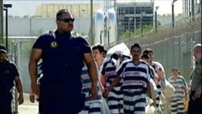 Prisioneros en la carcel de las carpas del condado maricopa