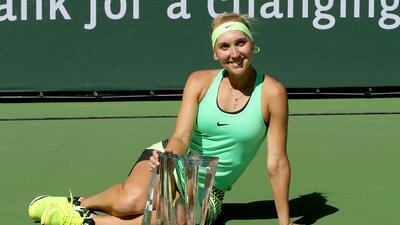 La fiesta de Elena Vesnina, la hermosa campeona del Indian Wells