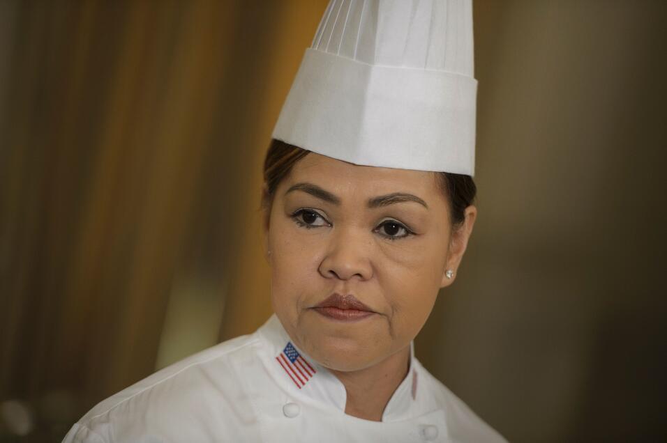 Quién es Mario Batalli, el chef de los crocs naranja que prepara la últi...