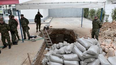 Una bomba activada durante 75 años bajo una gasolinera: un 'recuerdo' británico en Grecia