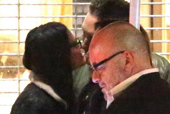 Demi se fue a un bar con Sean Friday, y se pusieron muy cariñosos a la s...